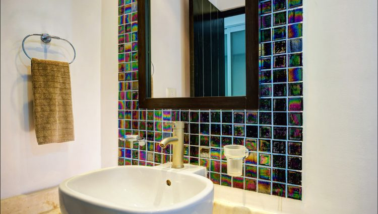 la-vista-master-bathroom-v